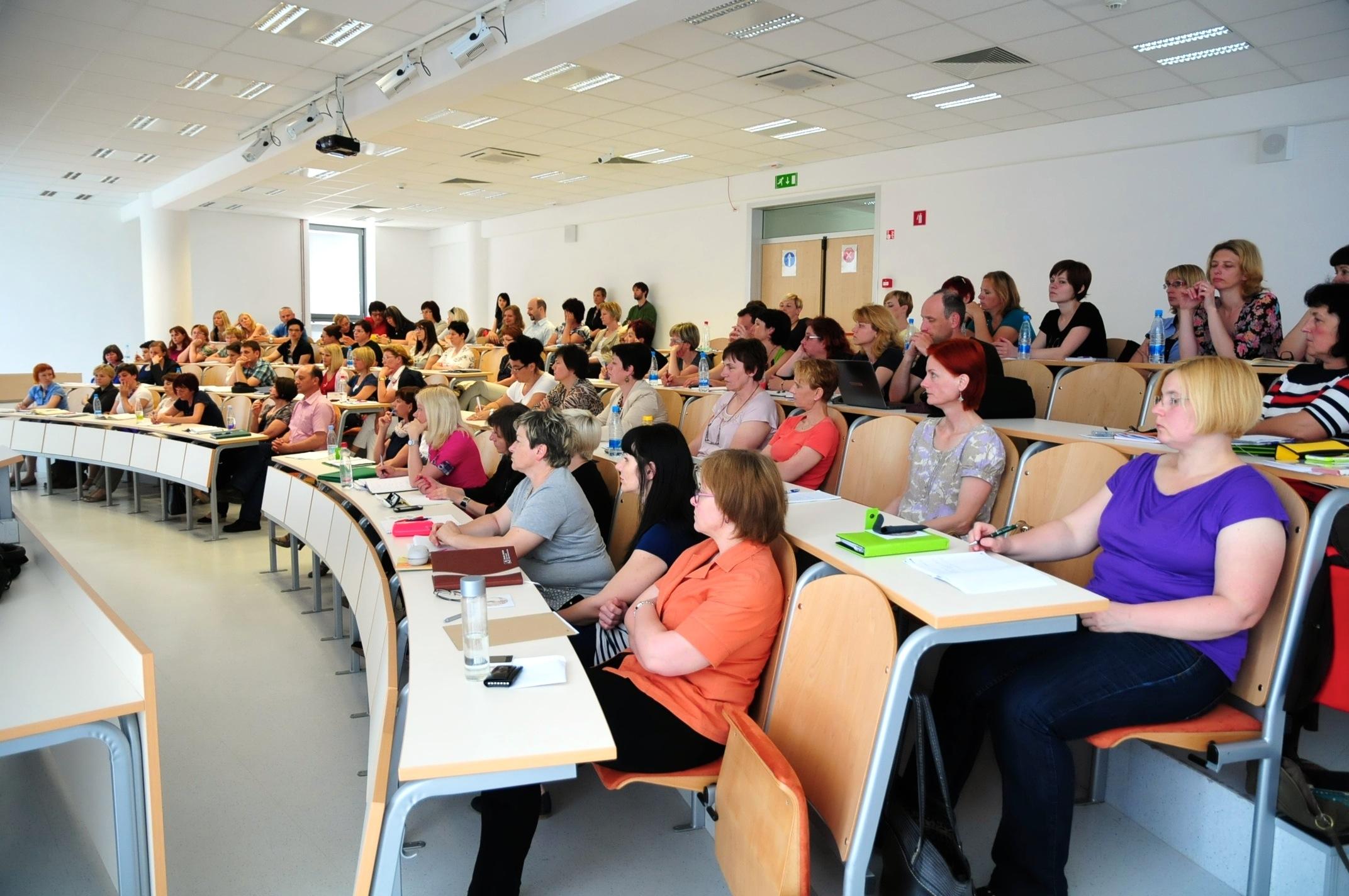 Udeleženci seminarja za preizkus strokovne usposobljenosti